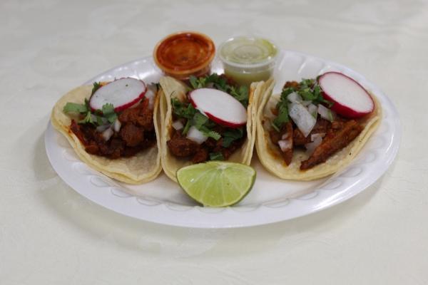 tacos-pastor9E39F98A-DAEA-AF89-D00B-4DF6583AD9BA.jpg
